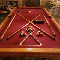 8' Brunswick Avalon pool table