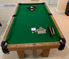 Olhausen Oak Laminate 7 Foot Pool Table in Excellent Condition